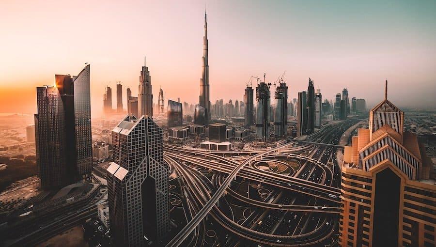 Dubai im Abendlicht
