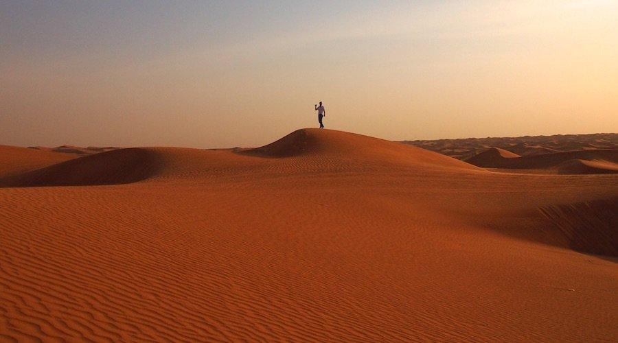 Dubai Wüste im Abendlicht
