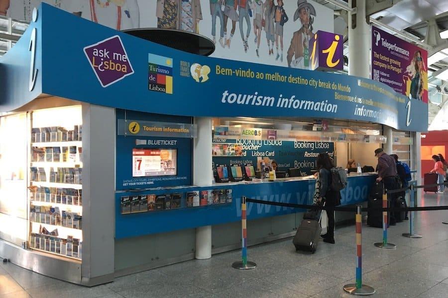 Touristeninformation am Flughafen Lissabon