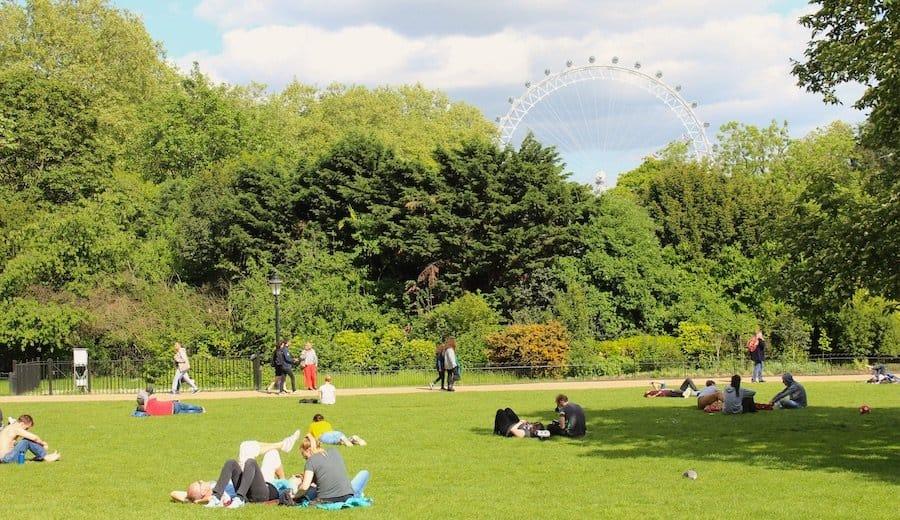 Eine entspannende Sehenswürdigkeit: Parkanlage in London