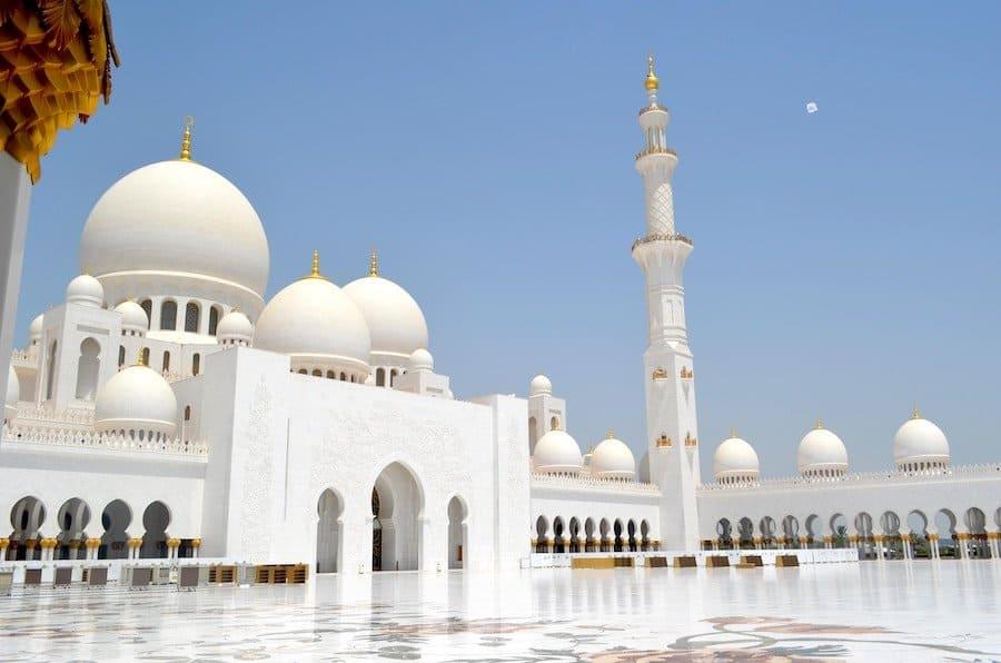 Weiße Moschee in Abu Dhabi