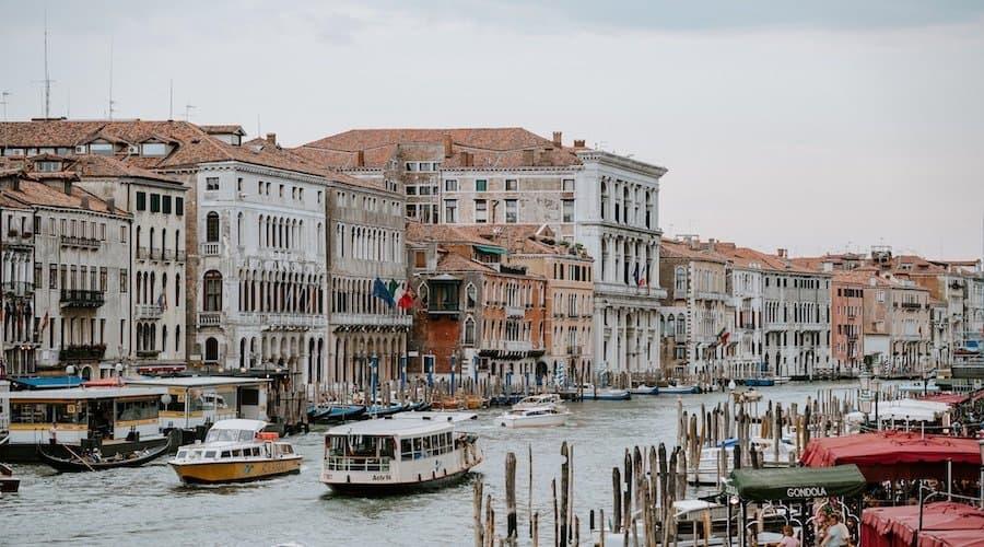 Vaporetto auf dem Grand Canal